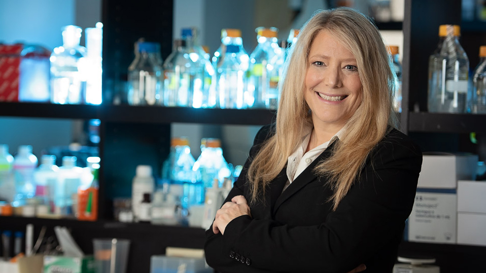 Portrait of Dr. Tami Martino in her lab